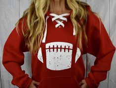 Best Picture For navy Football Game Outfit For Your Taste You are looking for something, and it is going to tell you exactly what you are looking for, and Peinados Pin Up, Sports Hoodies, Football Shirts, Fall Football, Hooded Sweatshirts, Cute Outfits, Fall Outfits, Shirt Designs, Just For You