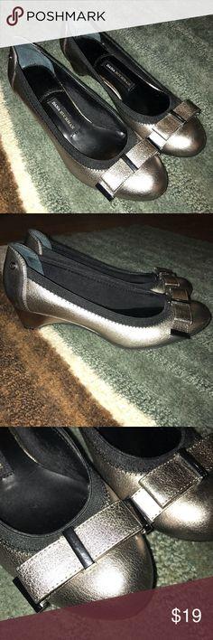 Dana Buchman Metallic Bronze Heels Dana Buchman heels. Adorable metallic bronze color with bow!    *There are small scuff marks on the heels (see pictures)* Dana Buchman Shoes Heels