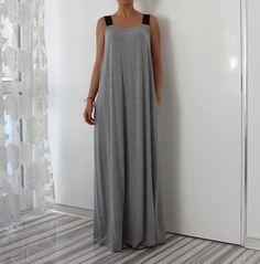 Graues ärmelloses Maxi-Kleid mit Taschen von cherryblossomsdress