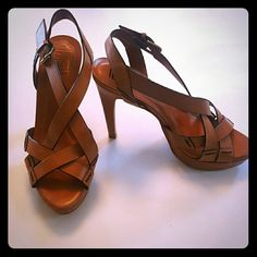 """Pour La Victoire Vero Cuoio Heels These are an absolutely stunning heel. In good condition,  these heels make any outfit look expensive.  Size 7 1/2. Made in Brazil. Approximately 5"""" heel. Pour la Victoire Shoes Heels"""