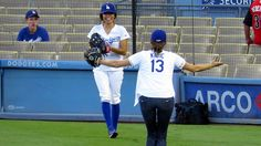 Stana Katic Throws First Pitch Warmups at @Dodgers