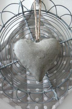 A Single Grey Heart