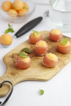 Crazy for Cantaloupe? Try These 15 Creative Melon Recipes These pr. Crazy for Cantaloupe? Try These 15 Creative Melon Recipes These prosciutto-wrapped melon bites are the perfect appetizer. Melon Recipes, Cantaloupe Recipes, Basil Recipes, Italian Recipes, Radish Recipes, Make Ahead Appetizers, Italian Appetizers, Appetizers For Party, Appetizer Recipes
