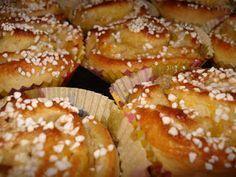 Frostrosor: Kalljästa bullar - wienerbullar Bagan, No Bake Desserts, Dessert Recipes, Cookie Cake Pie, Baked Pancakes, Sweet Dough, Bread Bun, Swedish Recipes, Bread Baking