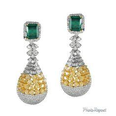 """By @squaregems """"Fusion #emeralds #diamonds #yellowdiamonds"""