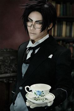 Claude Faustus from Black Butler. I wish my cosplay was this good! Cosplay Anime, Epic Cosplay, Cosplay Makeup, Amazing Cosplay, Cosplay Outfits, Black Butler Cosplay, Black Butler Anime, Got Anime, Manga Anime