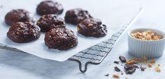 Glutenfrie cookies med mørk sjokolade og peanøtter er utrolig godt, og det veldig enkelt å lage. Oppskrift finner du her! Fodmap, Muffin, Gluten Free, Sweets, Cookies, Chocolate, Breakfast, Desserts, Food