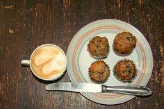 Švestkové muffiny s mákem a hořkou čokoládou