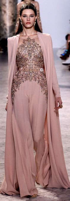 See the complete Elie Saab Spring 2017 Couture collection. inspirationen, Elie Saab Spring 2017 Couture Fashion Show Elie Saab Couture, Couture Mode, Style Couture, Couture Fashion, Gowns Couture, Couture Boutique, Fashion 2017, Runway Fashion, Fashion Show