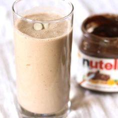 Banana Nutella Smoothie --- 1 banana. ¼ cup plain greek yogurt. ¼ cup cooked oatmeal. 2 tbsp nutella. 2 tbsp sliced almonds. 1 tsp honey (optional). 1 cup ice (can omit if using frozen bananas).