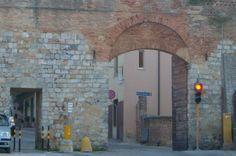 Porta Laterina, detta anche Stalloreggi di Fuori