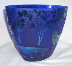 fenton art glass vases discontinued | Kelsey Murphy/Fenton Art Glass Favrene Vase, Wolves - Fenton