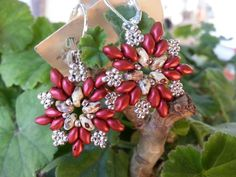 Pendientes twin beads. http://media-cache-ec0.pinimg.com/originals/7a/b0/a6/7ab0a66d494630d97500f8ea5aa59398.jpg