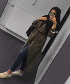 How to style the olive green outfits with hijab – Just Trendy Girls Modern Hijab Fashion, Street Hijab Fashion, Hijab Fashion Inspiration, Islamic Fashion, Muslim Fashion, Hijab Casual, Hijab Chic, Casual Chic, Hijab Style Dress