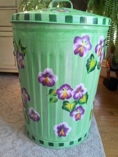 Painted Galvanized Can This One Stores Dog Food Was Painted To Match Room Decor Cool Ideas
