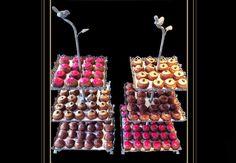 Proposez un dessert trop chou !On oublie la (trop) traditionnelle pièce montée et la farandole de desserts et on opte pour le buffet de choux à la crème ou encore mieux le bar à choux signé Odette Paris ! Vanille, café, fraise des bois, caramel au beurre salé, thé vert… les parfums sont à tomber! Et chacun des choux est recouvert d'un petit chapeau coloré, ce qui créé un joli tableau gourmand. Attention, vos invités n'en feront qu'une bouchée.77 choux pour 150€ livrée sur Paris, animation