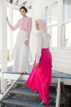 KAYRA - Turkish Hijab Style, love the bright pink skirt. Xx