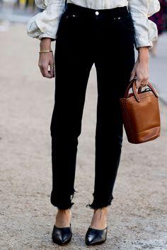 Best Street Style Details Of Paris Fashion Week AW17, brown bucket bag.