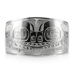 Haida artist Ding Hutchingson' Sea Sculpin bangle bracelet, tremendous details, one of a kind master piece, very classic Haida style.