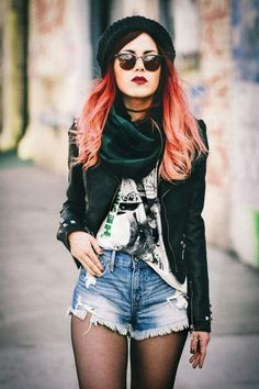 Can't get enough of this grunge chic vibe #OOTD