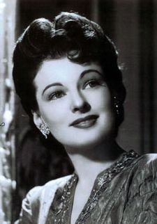 Ruth Hussey in The Philadelphia Story Hollywood Icons, Classic Hollywood, Classic Beauty, Timeless Beauty, Ruth Hussey, The Philadelphia Story, Famous Photos, Classic Movie Stars, Vintage Glamour