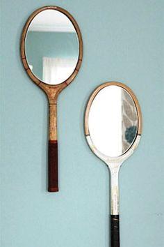 Sim, são espelhos. Ideia muito interessante que pode ser aplicada em raquetes antigas ou qualquer outro objeto.
