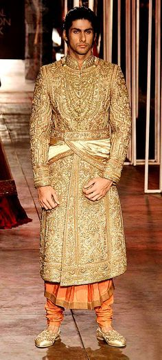 Tarun Tahiliani's Men's Wear Collection @ Aamby Valley Bridal Fashion Week