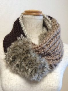 スヌード(ファー付き/茶系4色)|マフラー・ストール|yuminoko|ハンドメイド通販・販売のCreema Neck Scarves, Crochet Scarves, Neck Warmer, Dress Codes, Shawl, Knitting Patterns, Creema, Womens Fashion, Handmade