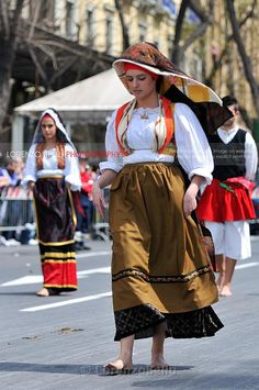 traditional dress from Cabras