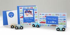 Bei kartenmacher.ch können Sie aus vielen Vorlagen auswählen. In diesem Beitrag stellen wir Ihnen die Geburtskarte «Tobias» vor. Die Geburtskarte ist eine von vielen liebevoll gestalteten Karten, welche Sie bei uns im Online-Shop selbst anpassen und bestellen können. Wir haben viele kreative Babykarten für Mädchen