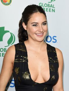 Shailene Diann Woodley born November 1991 (age in San Bernardino County, California, United States. She is an American actress and activist. Shailene Woodly, Blonde Actresses, Chica Fantasy, Hollywood Celebrities, Woman Crush, Beautiful Celebrities, Sensual, Celebs, Women