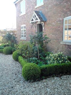 I want a full flower bed to soften the gravel in my drive revamp