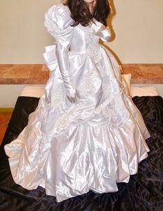 Modest Wedding Dresses, Unique Dresses, Elegant Dresses, Dress Wedding, Satin Gown, Satin Dresses, Perfect Bride, Beautiful Wedding Gowns, Outfit