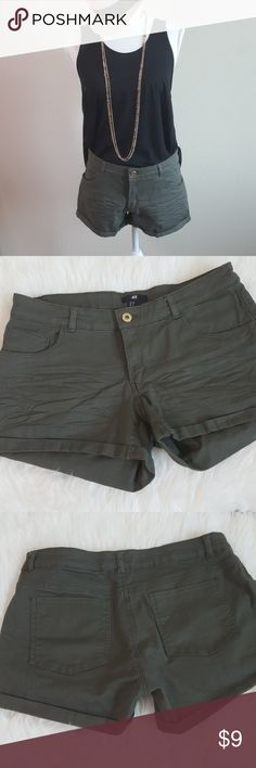 H&M olive green shorts H&M olive green shorts H&M Shorts