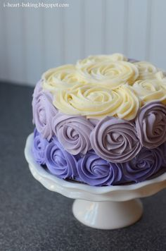 Purple Ombre Roses Cake by i-heart-baking. What a gorgeous cake! Pretty Cakes, Beautiful Cakes, Amazing Cakes, Köstliche Desserts, Delicious Desserts, Food Cakes, Cupcake Cakes, Mini Cakes, Ombre Cake