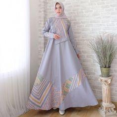 Modern Hijab Fashion, Batik Fashion, Abaya Fashion, Fashion Dresses, Women's Fashion, Batik Long Dress, Simple Long Dress, Casual Hijab Outfit, Muslim Dress