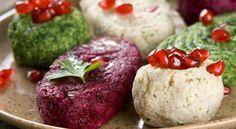 Пхали  - это отварные овощи - шпинат, капуста, баклажаны, бурак (свекла), зеленая фасоль, фасоль (красная,белая - любая зрелая), морковь и...