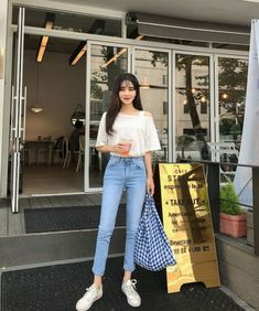 Popular Teenage Fashion College Looks Amazing 04 - Outfit - Modetrends Korean Fashion Trends, Korean Street Fashion, Asian Fashion, New Fashion Clothes, Teen Fashion, Fashion Outfits, Latest Fashion, Teenager Fashion, Fall Clothes