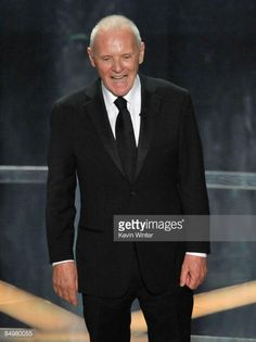 actor-anthony-hopkins-presents-the-award-for-best-actor-during-the-picture-id84980055 (445×594)
