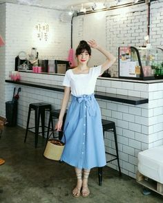 Handmade light denim skirt by Sew Over It London - Handmade lig Mode Chic, Mode Style, Womens Fashion Online, Latest Fashion For Women, Mode Outfits, Fashion Outfits, Fashion Skirts, Fashion Fall, Blue Fashion