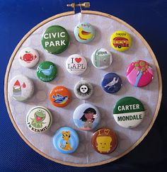 Great DIY button display idea. BusyBeaver.net
