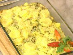 Pastelitos de pollo, ricotta y verdura con torre de papas