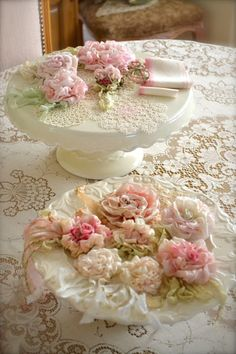 Jennelise: A Beautiful Place Shabby Chic Romantic Cottage Shabby Chic Mode, Style Shabby Chic, Shabby Chic Crafts, Vintage Shabby Chic, Shabby Chic Decor, Shaby Chic, Vintage Lace, Rose Cottage, Shabby Cottage