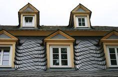 Dachgauben mit Schiefer. Dacharbeiten des Fachbetriebs Toms-Dach Dachdeckermeister Sven Tomaschke in Berlin (12099) | Dachdecker.com
