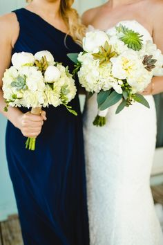 White + Navy Color Palette. Photography: Christopher Nolan Photography   Read More: http://www.stylemepretty.com/2013/12/11/orange-beach-alabama-wedding/