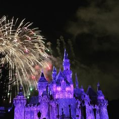 #purple #castle #disneyland #closing #fireworks #lovely #disney #show #happiestplaceonearth #60thanniversary #anaheim #losangeles #wheninLA #goodtimes by iamthepurplequeen