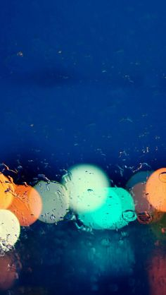 Light water droplets iPhone 5s Wallpaper