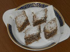 Prajitura de post cu nuca Vegan Cake, Vegan Recipes, Vegan Food, Banana Bread, French Toast, Pork, Food And Drink, Pudding, Sweets