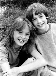 Tami Stronach and Barret Oliver aka The Childlike Empress and Bastian from the Neverending Story Pet Sematary, Edward Hopper, 80s Movies, I Movie, Neverending Story 3, Auryn, Cinema, In And Out Movie, Pic Pose