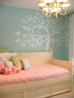 GIRLS BEDROOM IDEAS - Pink and blue girly room